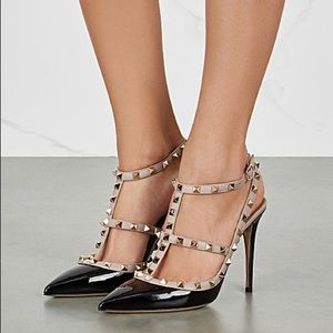 VALENTINO ROCK STUD PUMPS BLACK/ BLUSH PATENT 36.5